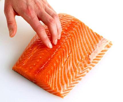 losos-vykostenie-1 Ako pripraviť lososa. Príprava lososa na masle a panvici