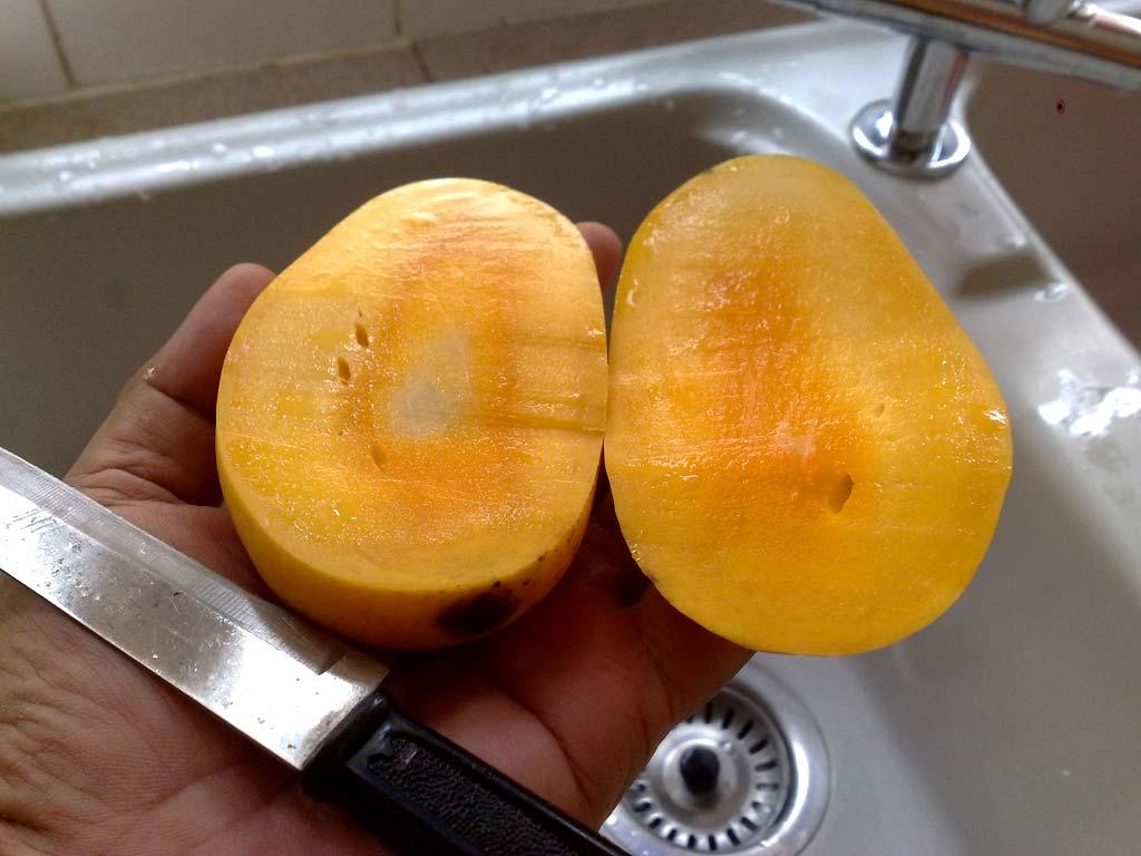 Rozrezané-mango Ako jesť mango? 3+ spôsoby ako ho ošúpať