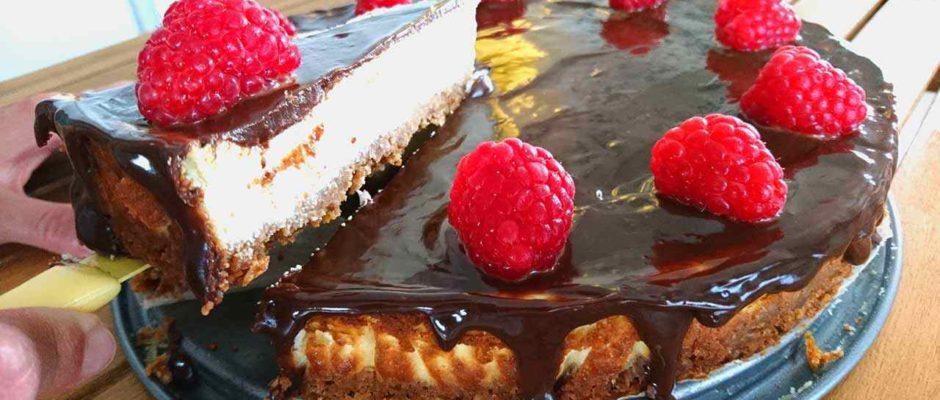 Tvarohový cheesecake s malinami
