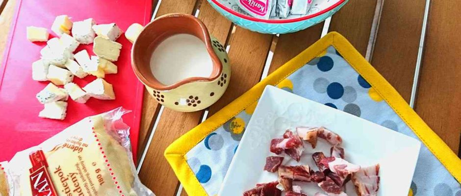 Cestoviny so syrovou omáčkou a slaninkou