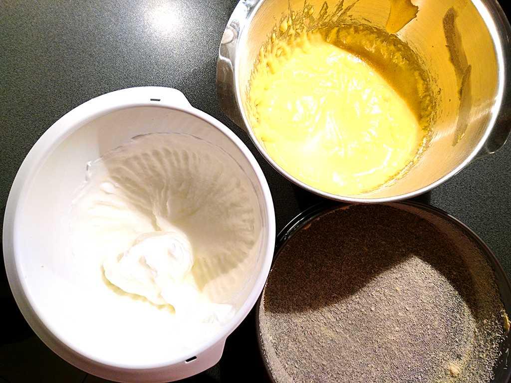 vyšľahané bielka a žltká